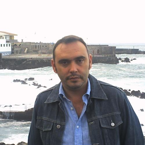 Carmelo Flores's avatar