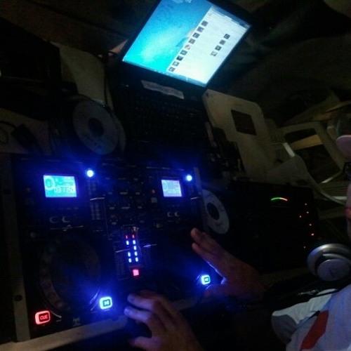 DJ Destino's avatar