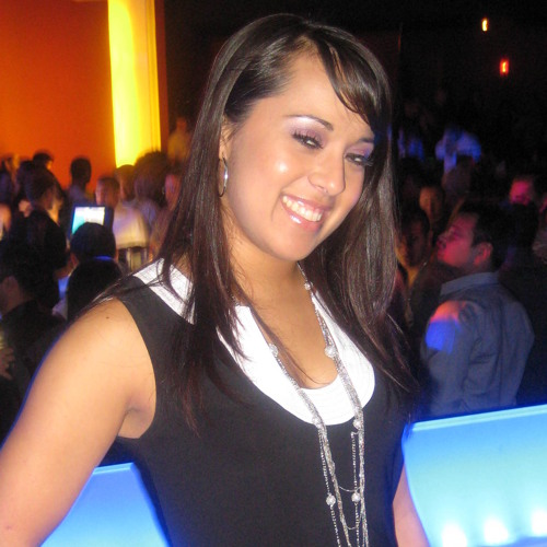 Nadi Nadia's avatar
