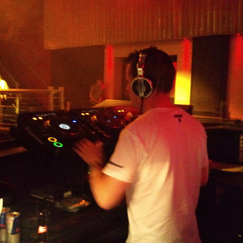 DJ Dave Smith's avatar