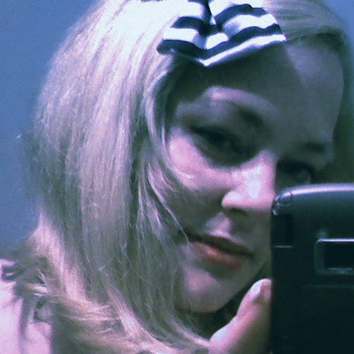 LizzieFaye's avatar