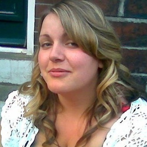Genevieve <3's avatar