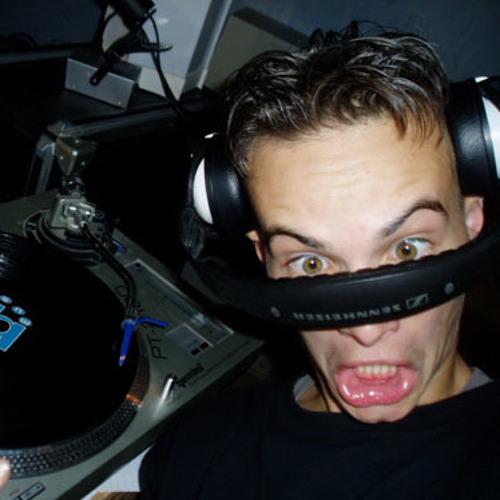 DJ-M...'s avatar