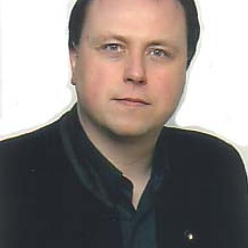 Thomas Binder's avatar