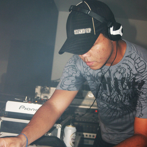 carlos groover Djset's avatar