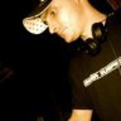 Tavish's avatar