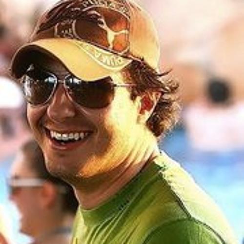 Luciano Valadao's avatar