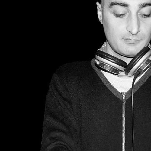 DJ RUMAX's avatar