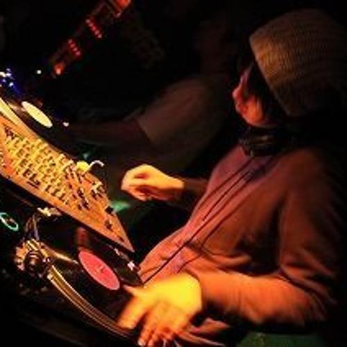 DJ ILLWAX's avatar