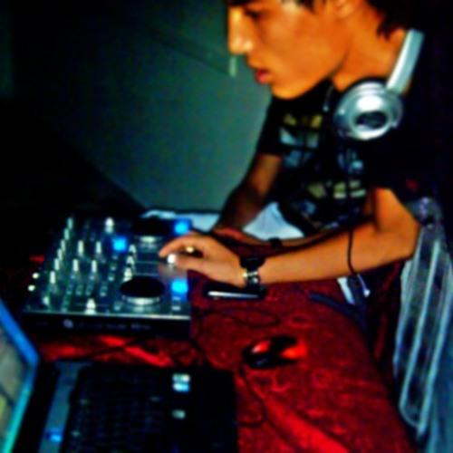 Deejay Achref's avatar