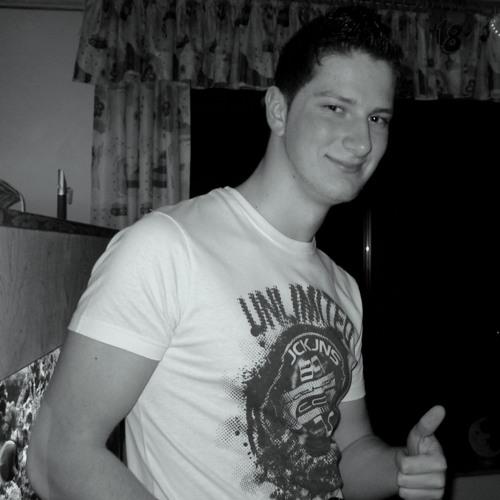 dj1o2's avatar
