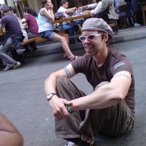 Gav Locked's avatar