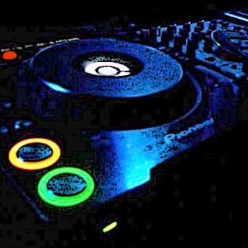 DJ RoWe's avatar