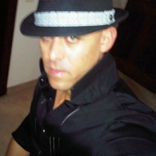 OLIVER OLIVO's avatar
