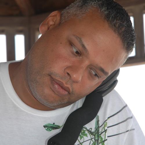 VICTOR ROSADO's avatar