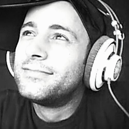 Lee Zamora's avatar