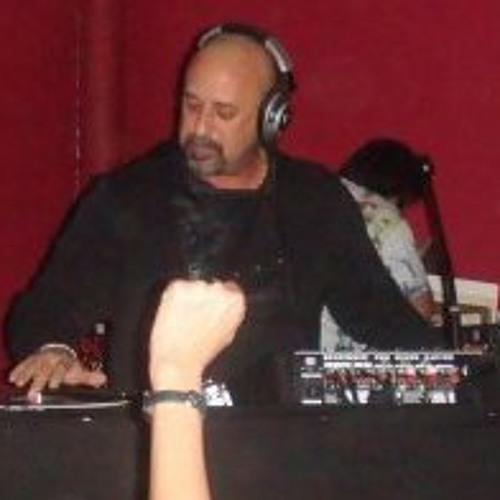 Luis Cabrera's avatar