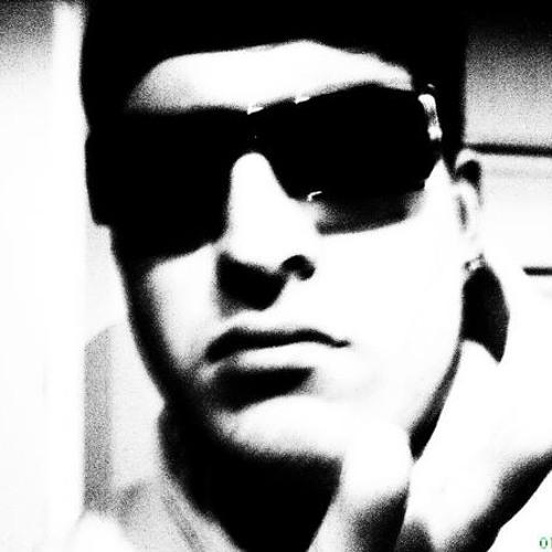 Minimal2go's avatar