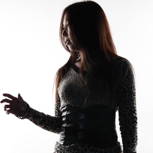 Suzy Lee's avatar