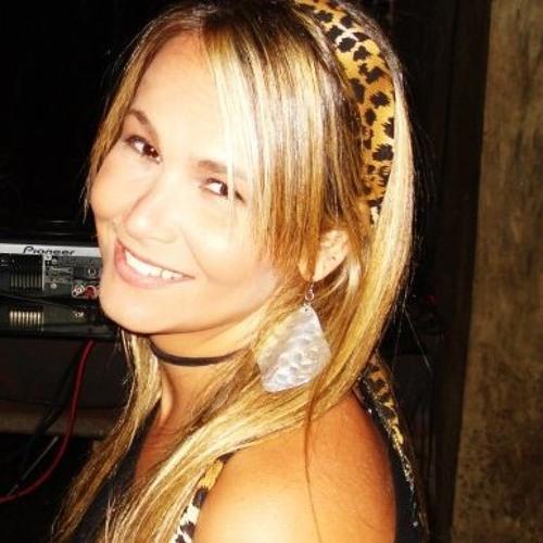 FernandaFontoura's avatar