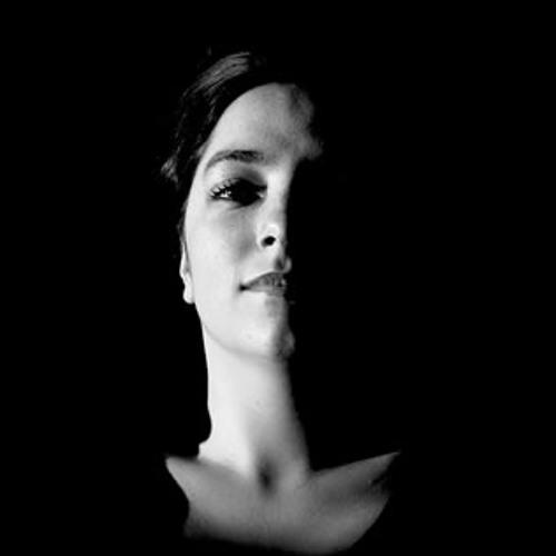 Debbie Clare's avatar