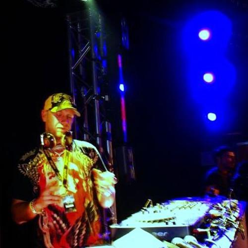 DJ RAS-I-DOOR's avatar