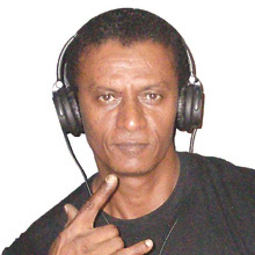 Dee Jay Yza 40's avatar