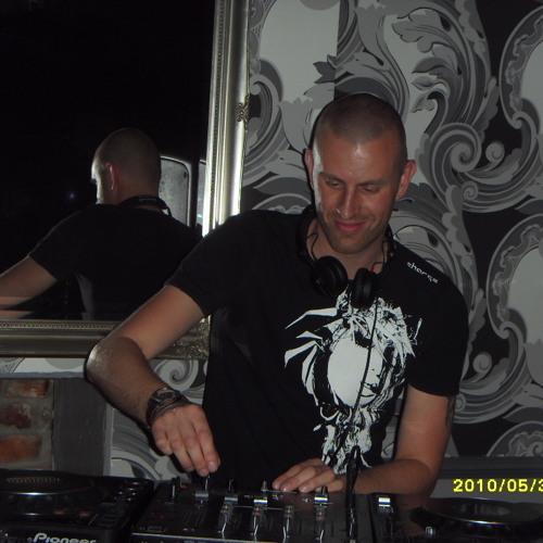 DJwebstar's avatar
