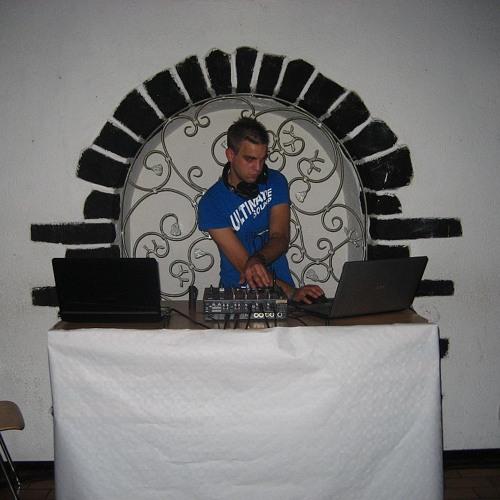 DJ Noisy-Ghost's avatar