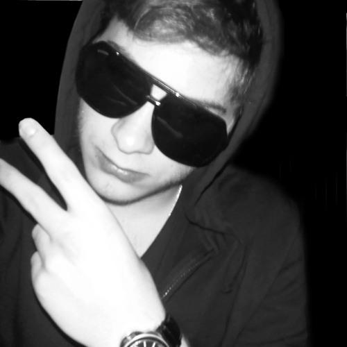 Sacha Dubuis's avatar