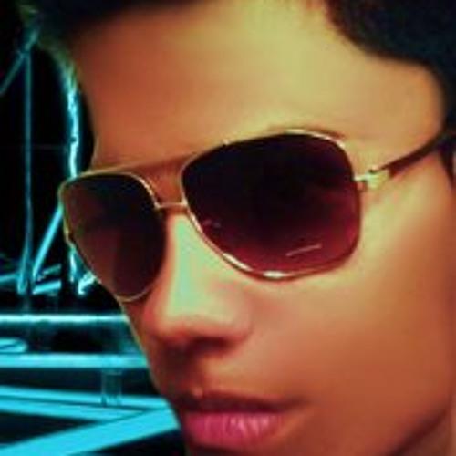 victorhernandez-1's avatar