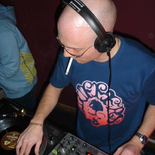 DJ Simm's avatar