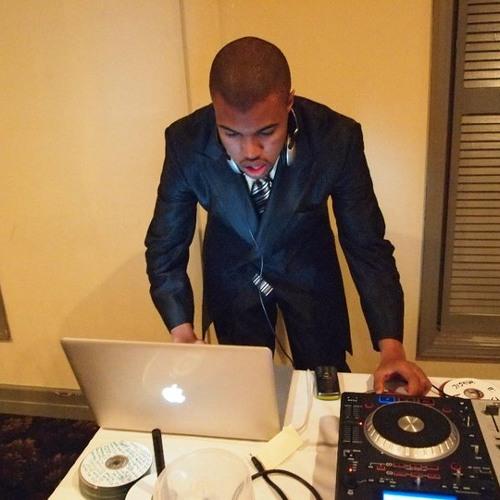 DJ L∆W's avatar