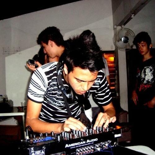 Camilo V's avatar
