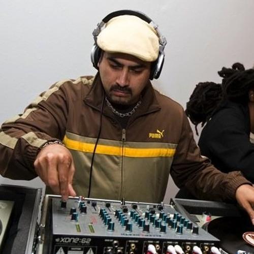 Esteban Torres's avatar