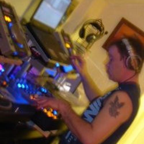 dj chesh's avatar