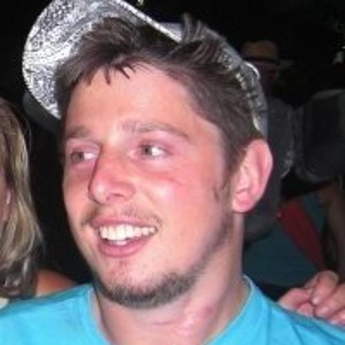 tomnabarro's avatar