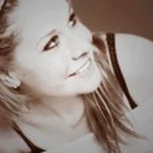 LizzieL's avatar