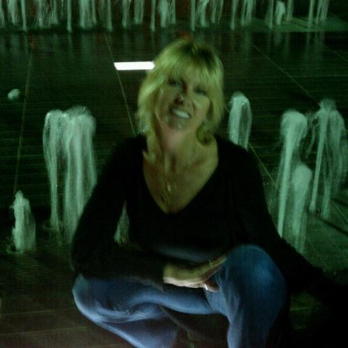 Peaceful Julie's avatar