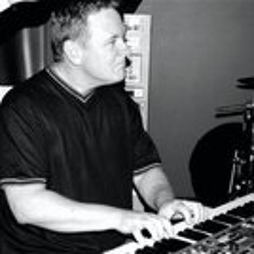 Ross comerford's avatar