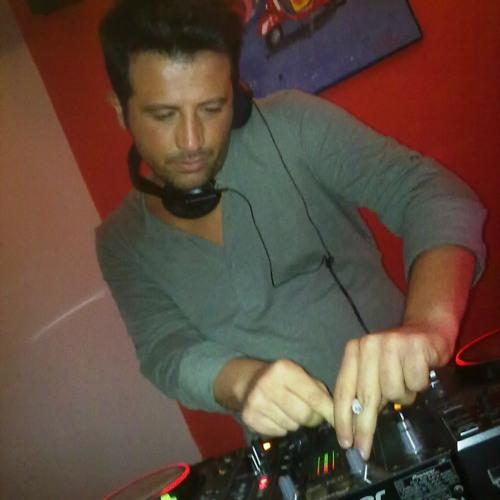 Hector Mario 1982's avatar