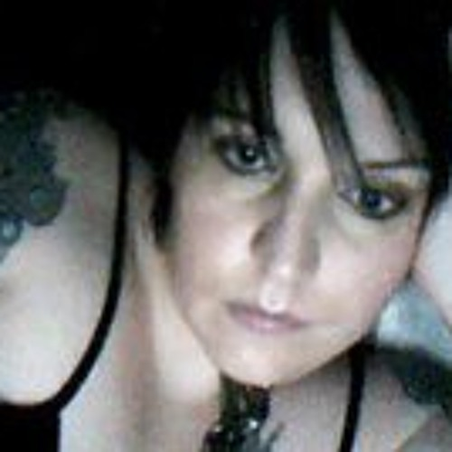 anne-ross's avatar