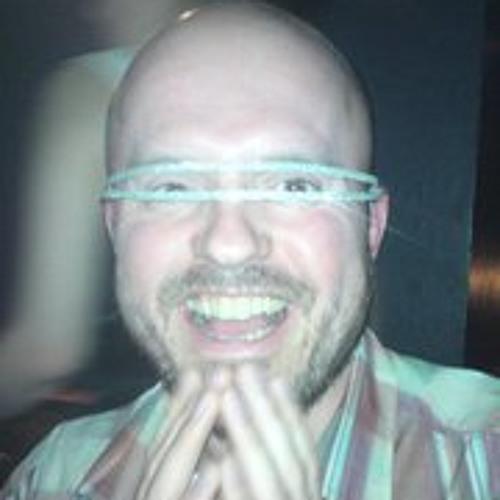 Adam Famos's avatar