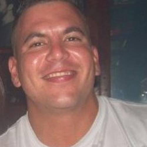 Raymond Garcia's avatar
