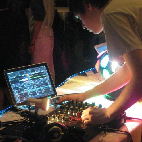 DJ K(EH)'s avatar