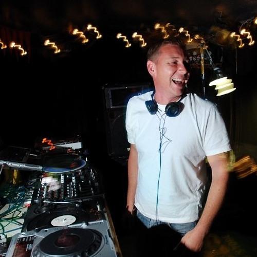 DJbomb's avatar