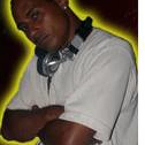 DJ Infinite-1's avatar