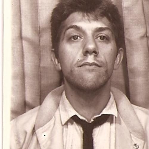 Thom Topham's avatar