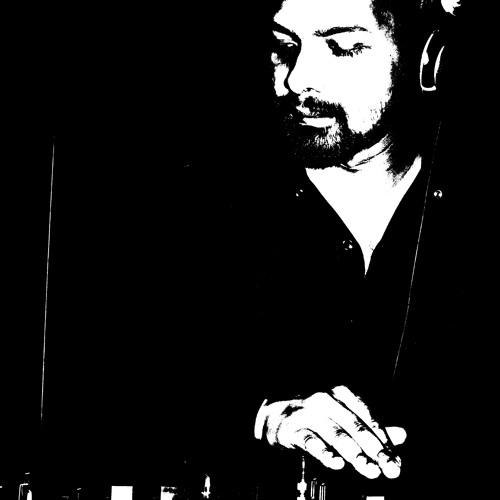 DJ Mac Deniz's avatar