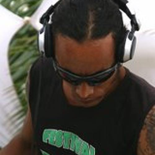 Dj Phadawan's avatar